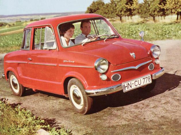 voiture-NSU-rouge